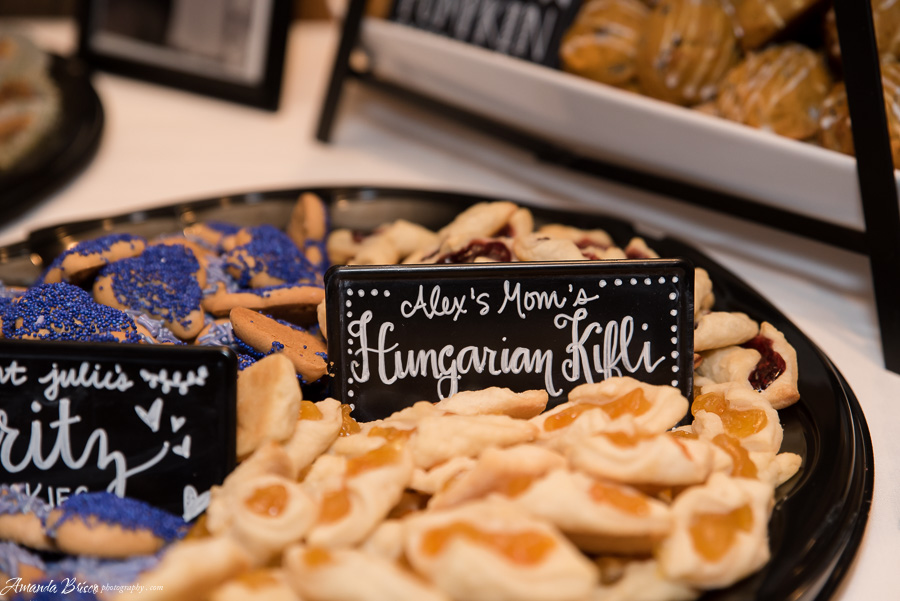Pittsburgh Wedding Cookie Table | cookingalamel.com